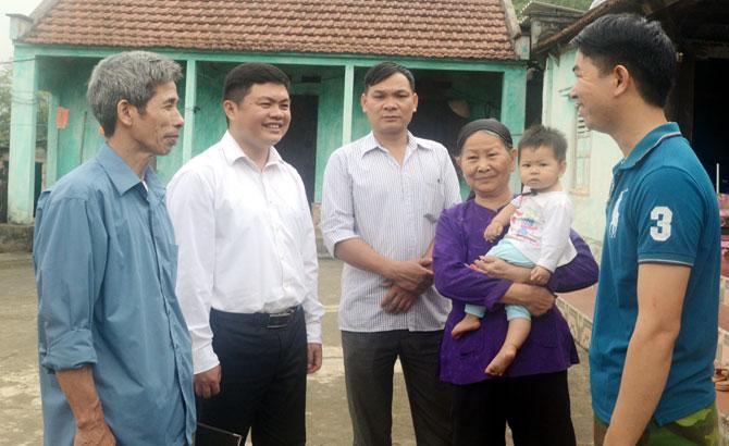 Luân chuyển cán bộ huyện về xã: Tháo gỡ khó khăn  cho cơ sở